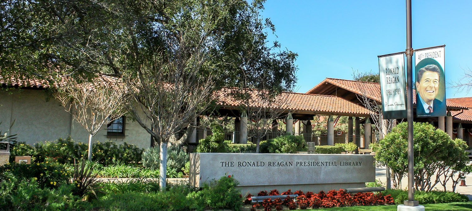HE PREMIER INNS THOUSAND OAKS OFFERS BUDGET LODGING IN A PRIME LOCATION. EXPLORE TOP AREA ATTRACTIONS LIKE THE REAGAN PRESIDENTIAL LIBRARY