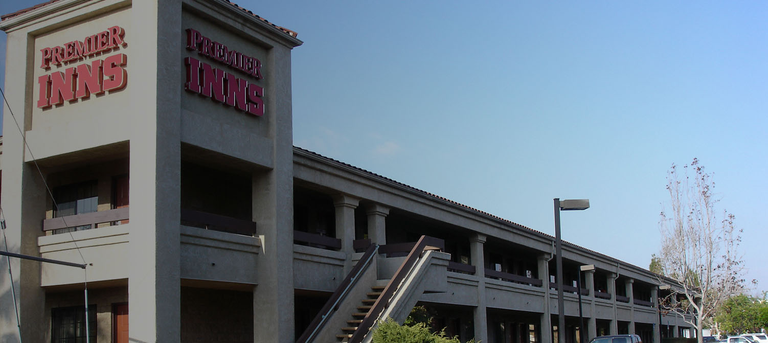 WELCOME TO PREMIER INNS THOUSAND OAKS. LOCATED RIGHT OFF HIGHWAY 101 ONLY 1 HOUR FROM BURBANK AIRPORT