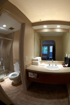 Welcome To Premier Inns Thousand Oaks - Vanity Area