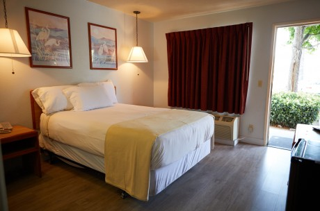 Welcome To Premier Inns Thousand Oaks - Accessible Queen Room