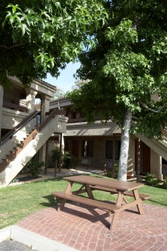 Welcome To Premier Inns Thousand Oaks - Picnic and BBQ Area